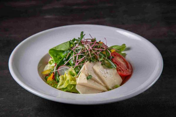 Овочевий салат з домашньою бринзою