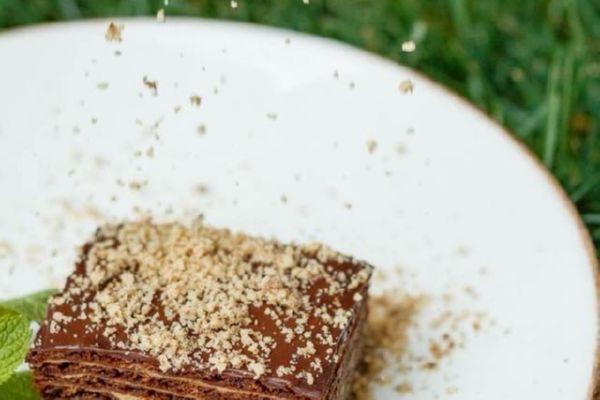 Згапарі - шоколадний десерт з заварним кремом та волоськими горіхами