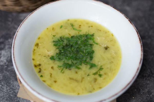 Чихіртма - грузинський ароматний суп з куркою