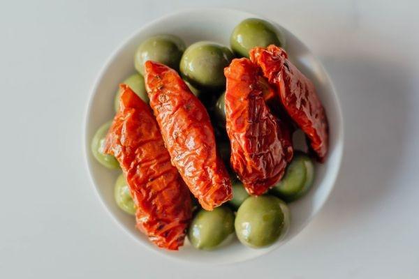 Оливки лігурійські з в'яленими томатами