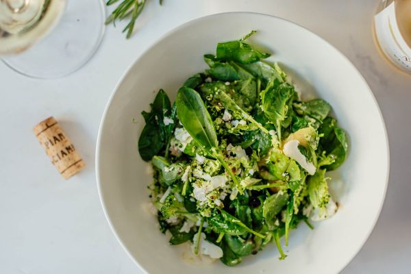 Салат з броколі та цвітною капустою з пармезаном