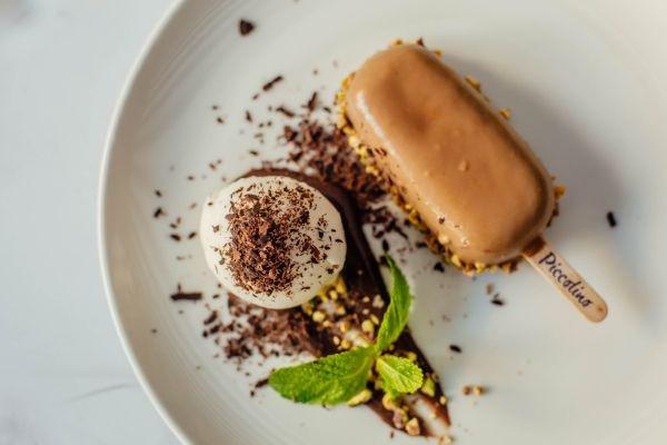 Десерт солона карамель