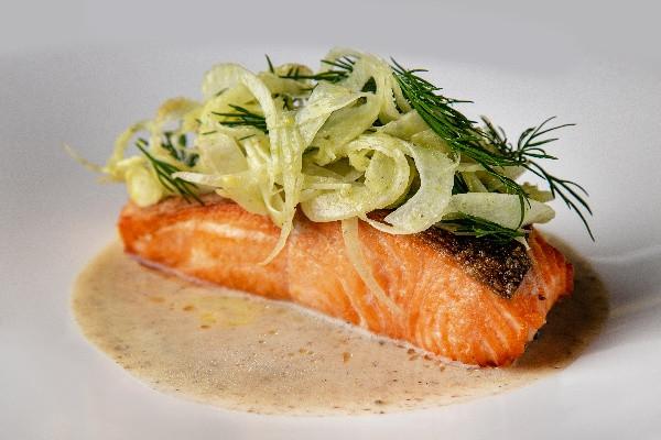 Шотландський лосось Label Rouge з трюфельним соусом