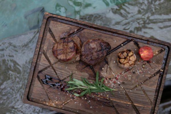 Медальйони з яловичини