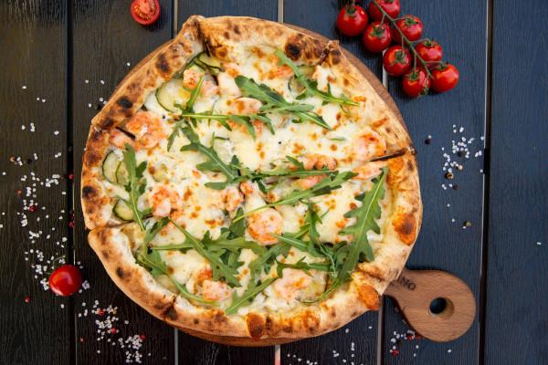 Піца з цукіні та креветками