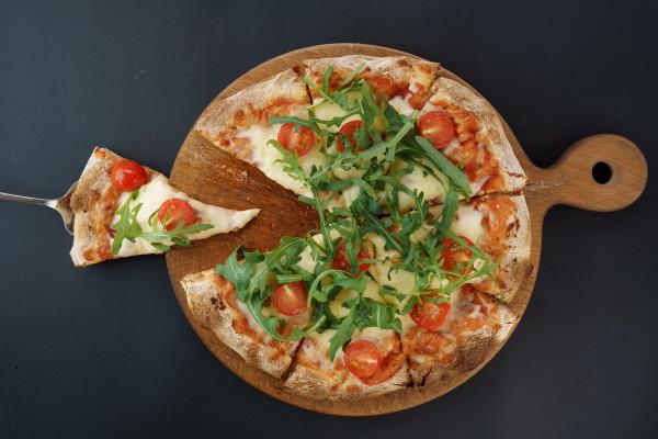 Піца Маргарита з моцарелою Буфала