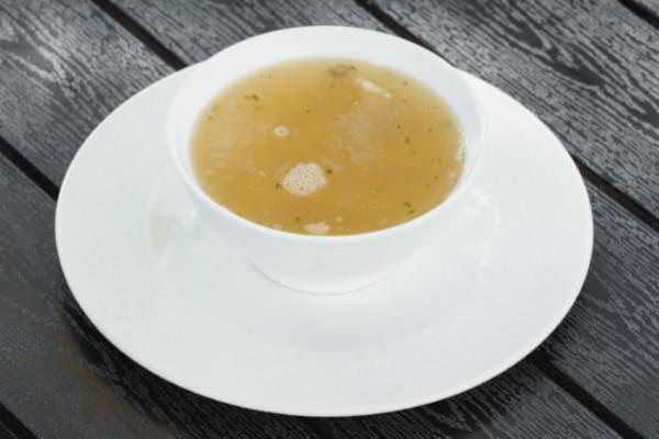 Бульон з тортеліні і трюфельним ароматом