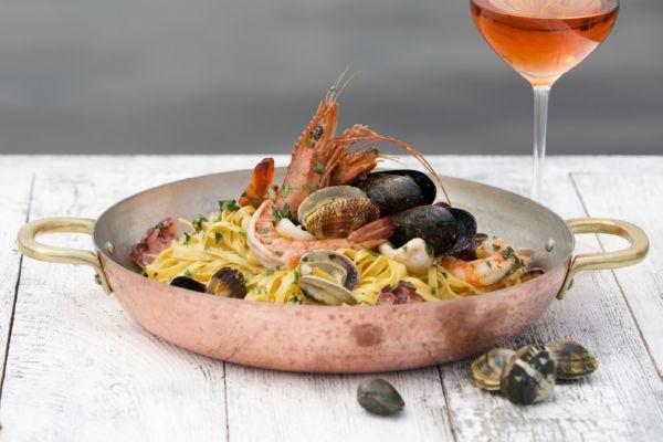 Тальятеле з морепродуктами та ботаргою