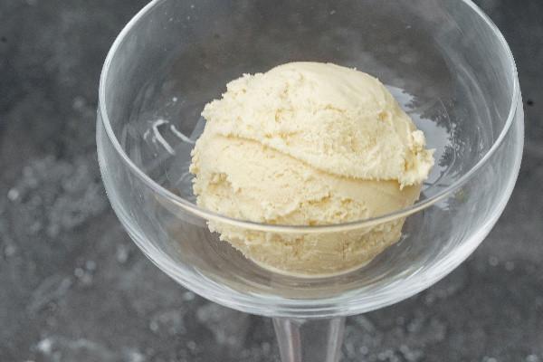 Морозиво манго з кокосом