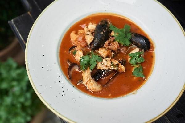 Томатний суп з морепродуктами