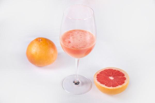 Свіжовичавлений сік грейпфрутовий