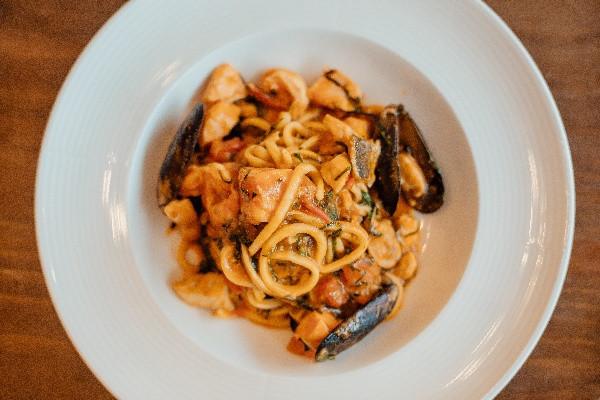 Паста алла Гiтара з морепродуктами