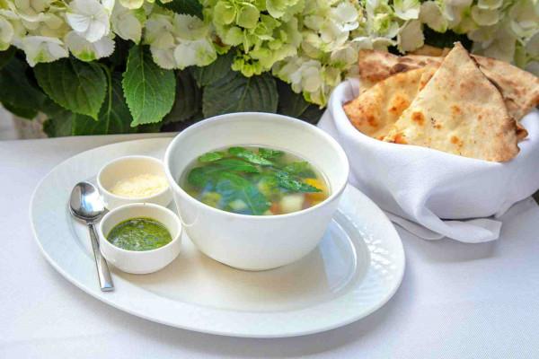 Овочевий суп мінестроне