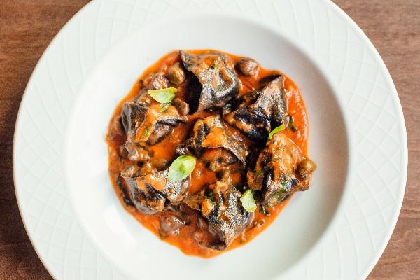 Рибні равіолі з соусом Путанеска