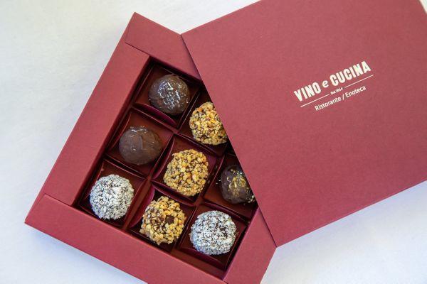 Цукерки Vino e Cucina в фірмовій коробці 9 шт