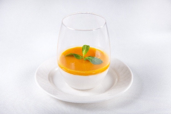 Кокосова Пана Кота з соусом із манго